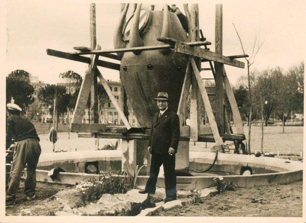 0raffaele-de-vicoil-viale-dei-settanta-nel-parco-della-rimembranza-a-villa-glori-foto-vasari-1924-2-e1545056010758